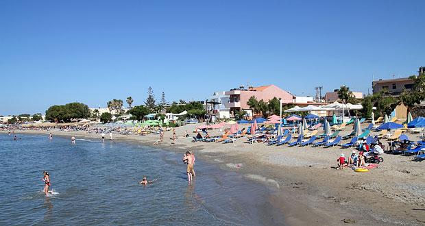 Agia Marina strand