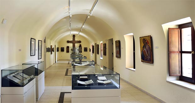 Agia Triada museum